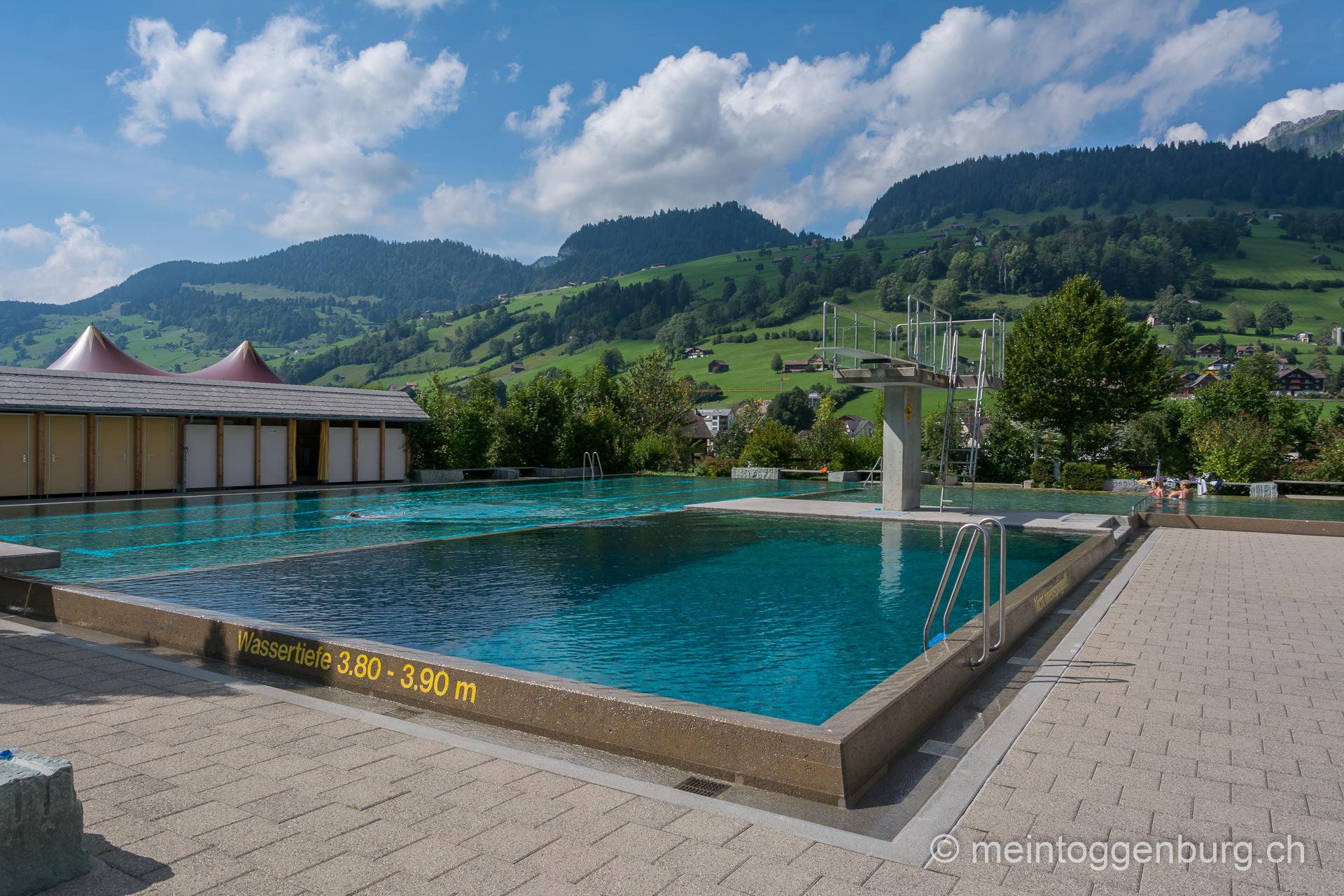 Schwimmbad Badi Unterwasser