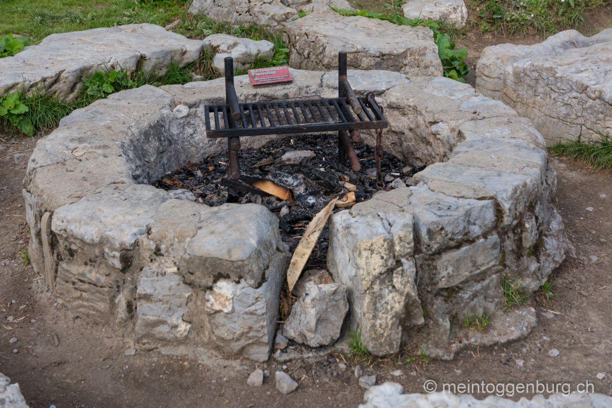 Feuerstelle Wildmannlisloch Sagenweg Toggenburg Höhle